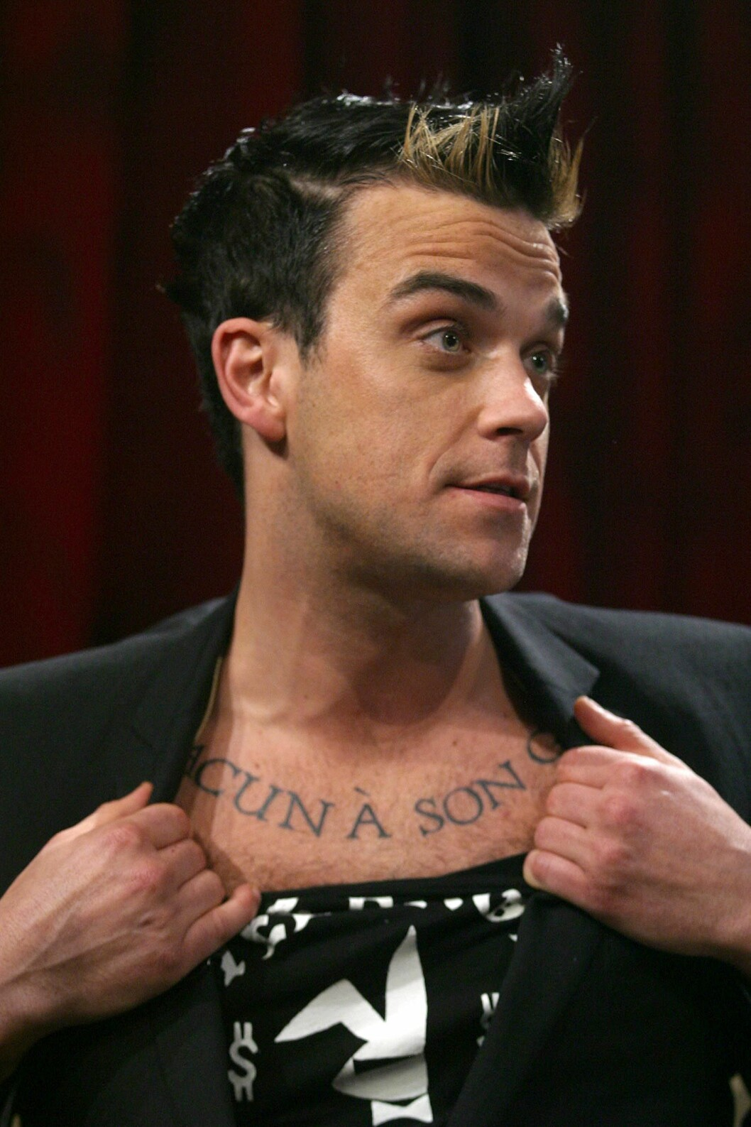 """Code: STAR-Michael Simon, New York, NY, USA, 01.04.2003: Taping of NBC's """" Last Call With Carson Daly"""" Guests: British singer Robbie Williams, Show airs 04-11-03. /Startraks Photo Inc/Michael Simon"""
