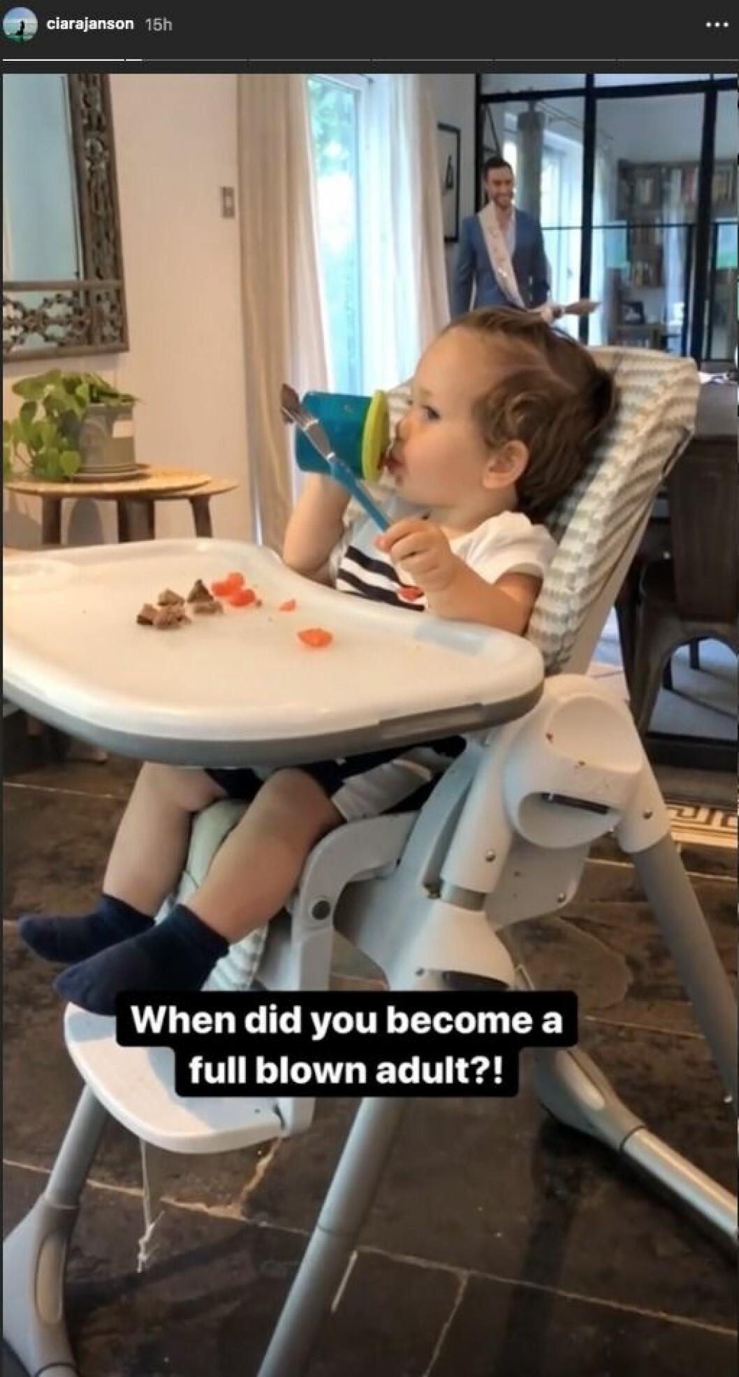 Ciara Janson häpnar över sonen Albert Zelmerlöws utveckling.