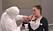 Amilia blir dresserad med butler-dräkt och stötsensorer i Big Brother