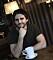 Skådespelaren Anastasios Soulis dricker kaffe