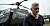Andreas Alseryd kliver ut ur en helikopter