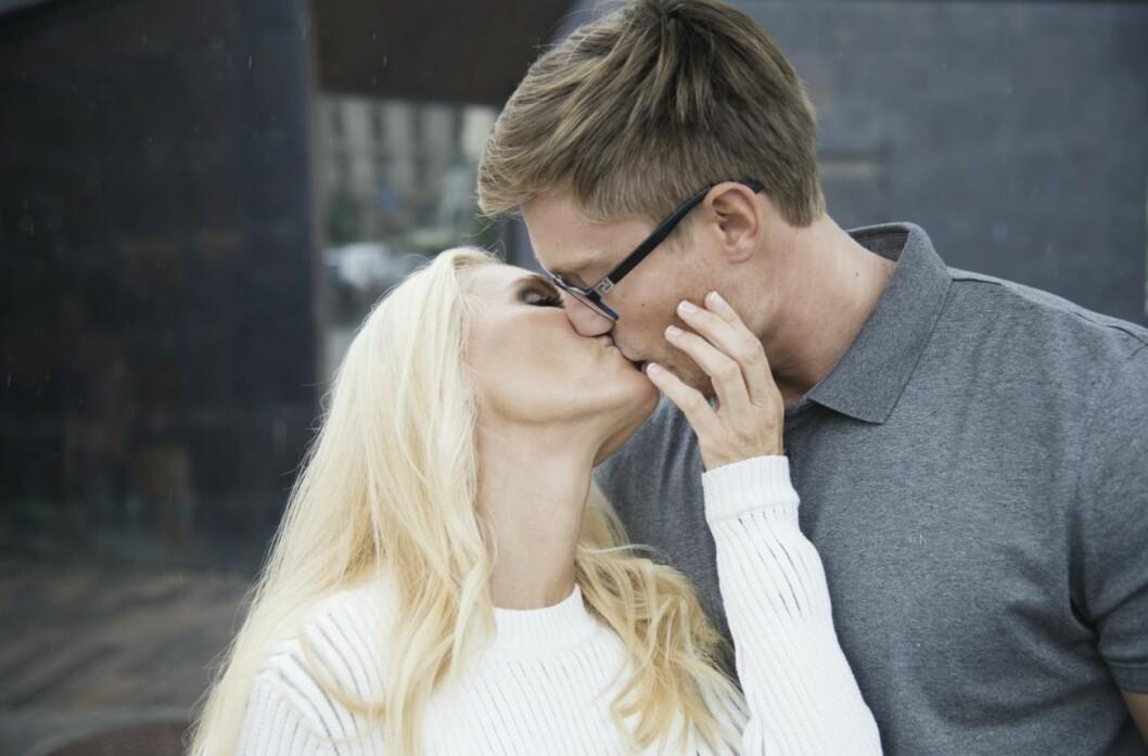 anna anka och david johansson pussas