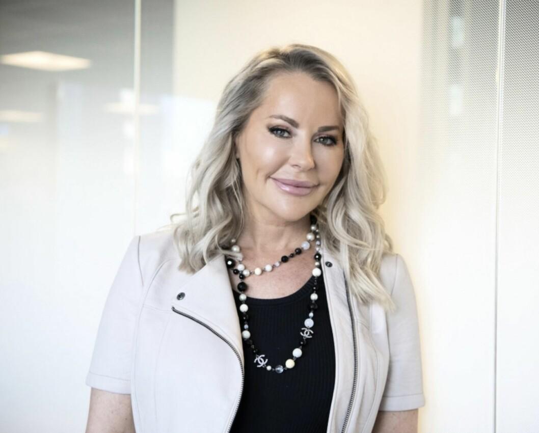 Åsa Vesterlund i beige tröja