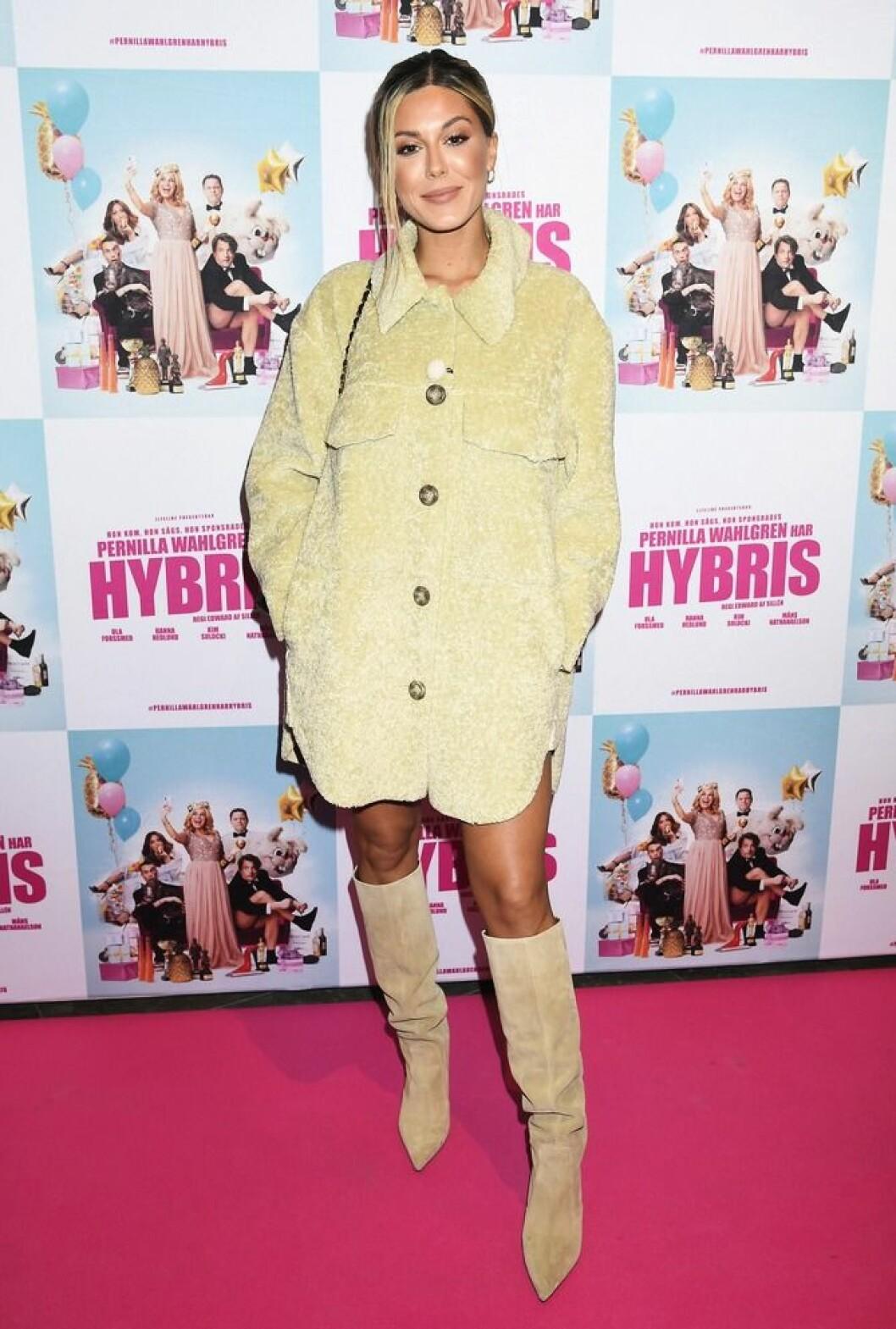 Bianca Ingrosso på röda mattan för Hybris