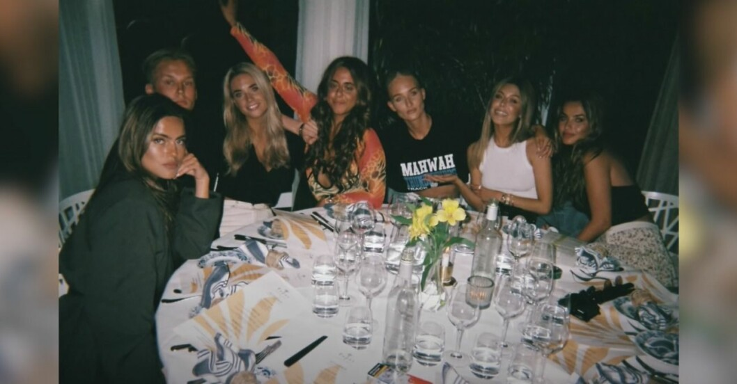 Bianca Ingrosso med vänner festar i Båstad