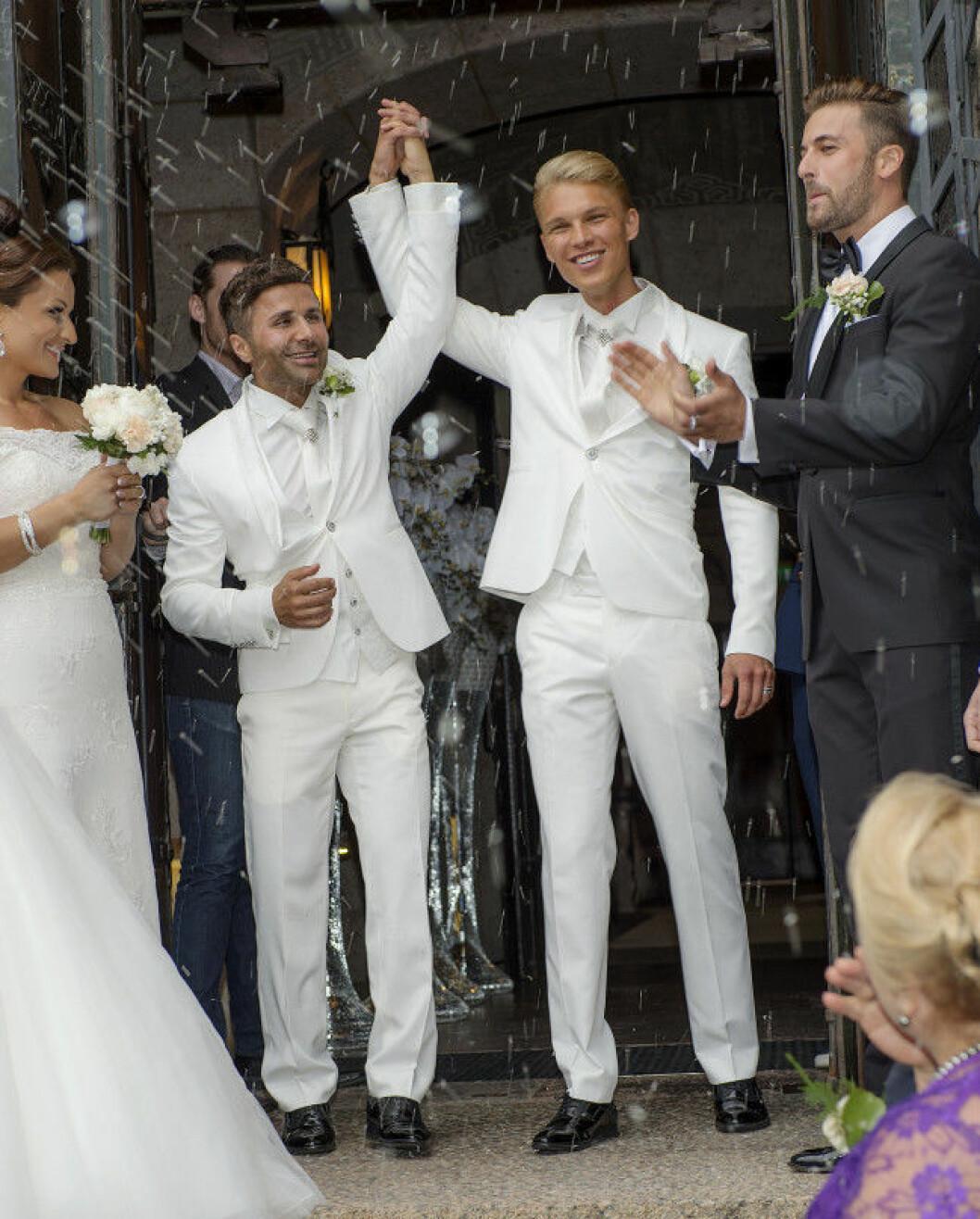 Bobby Oduncu och Jimi Bennet Bobby Oduncus och Jimi Bennets bröllop på Engelbrektskyrkan, Stockholm 16-07-02 Foto ©Eero Hannukainen EEROBILD AB IBL *** Local Caption *** 06586417