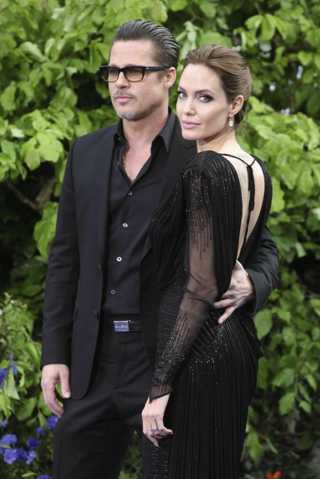 Brad Pitt und Angelina Jolie bei der Präsentation von Kostümen und Requisiten aus ihrem Film Malefic