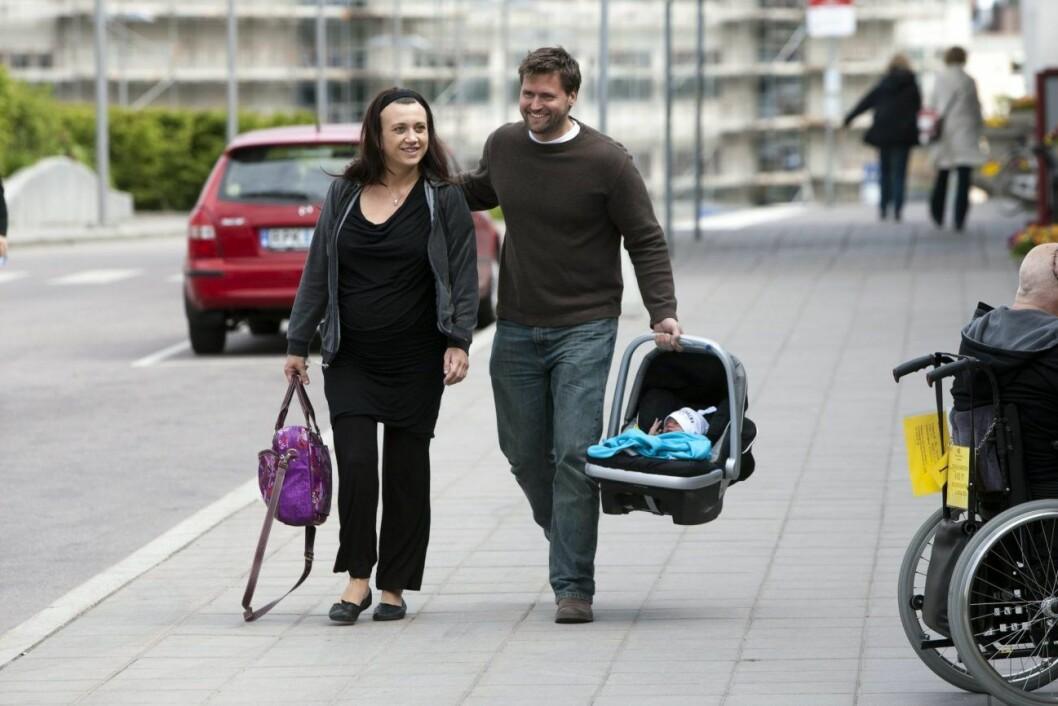 Camilla Läckberg och Martin melin med sonen Charlie