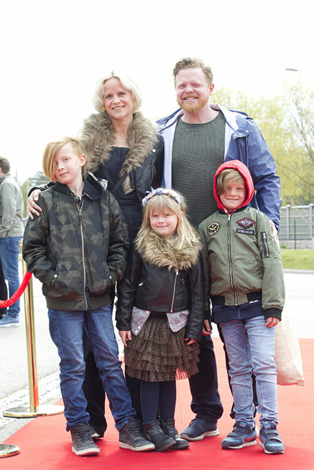 Daniel Lindström med sin fru och barn