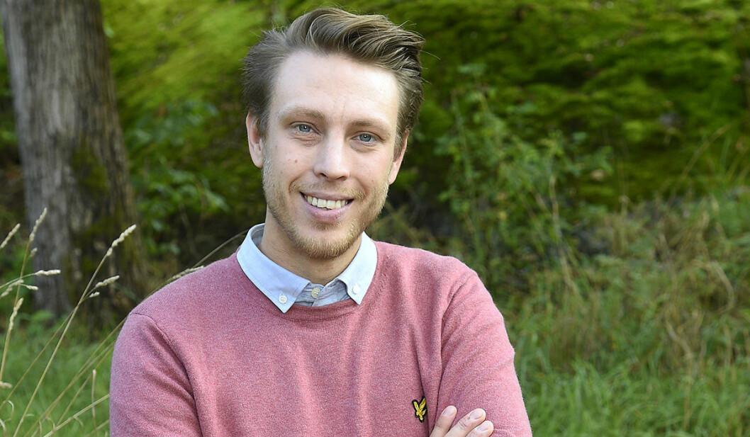 Pelle Hansson Edh med armarna i kors.