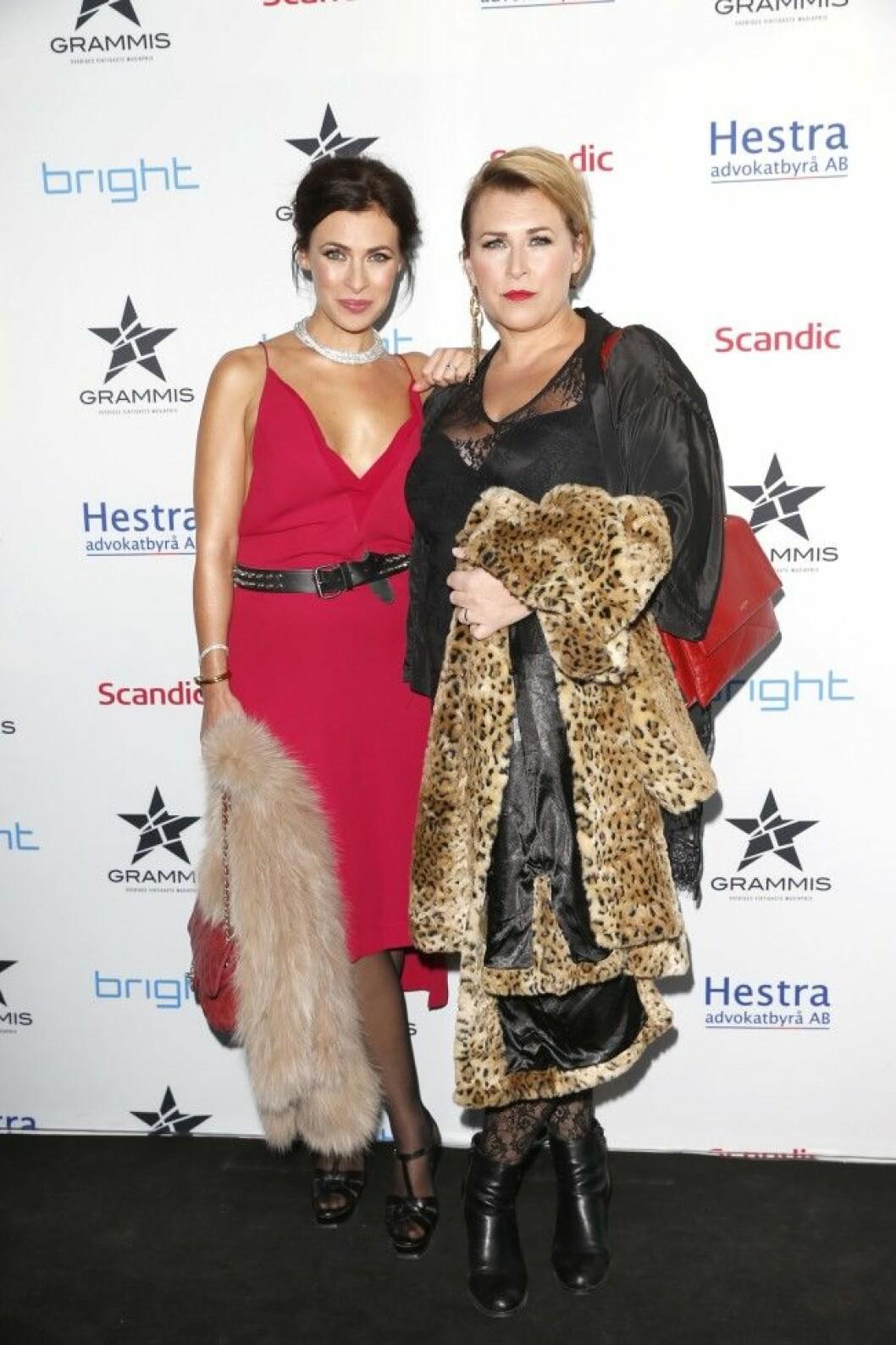 Grammis 2015 Systrarna Amanda Schulman och Hanna Widell som ligger bakom Perfect day som hade arrangerat Grammisgalan