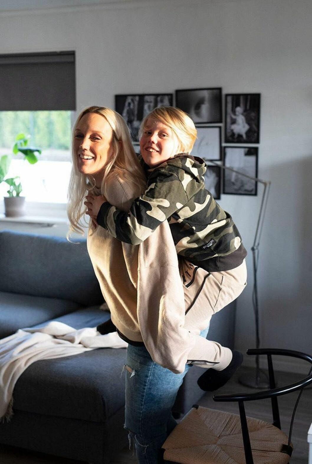 Madeleine Ilmrud och hela hennes familj vann svenskarnas hjärtan när de var med i Familjen Annorlunda.