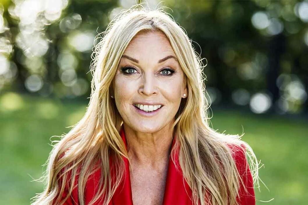 """Linda Lindorff är programledare för """"Bonde söker fru"""""""