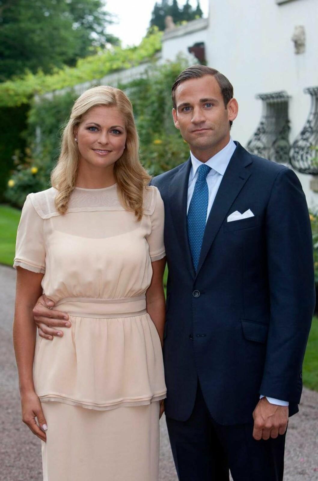 Madeleine och Jonas vid sin förlovning