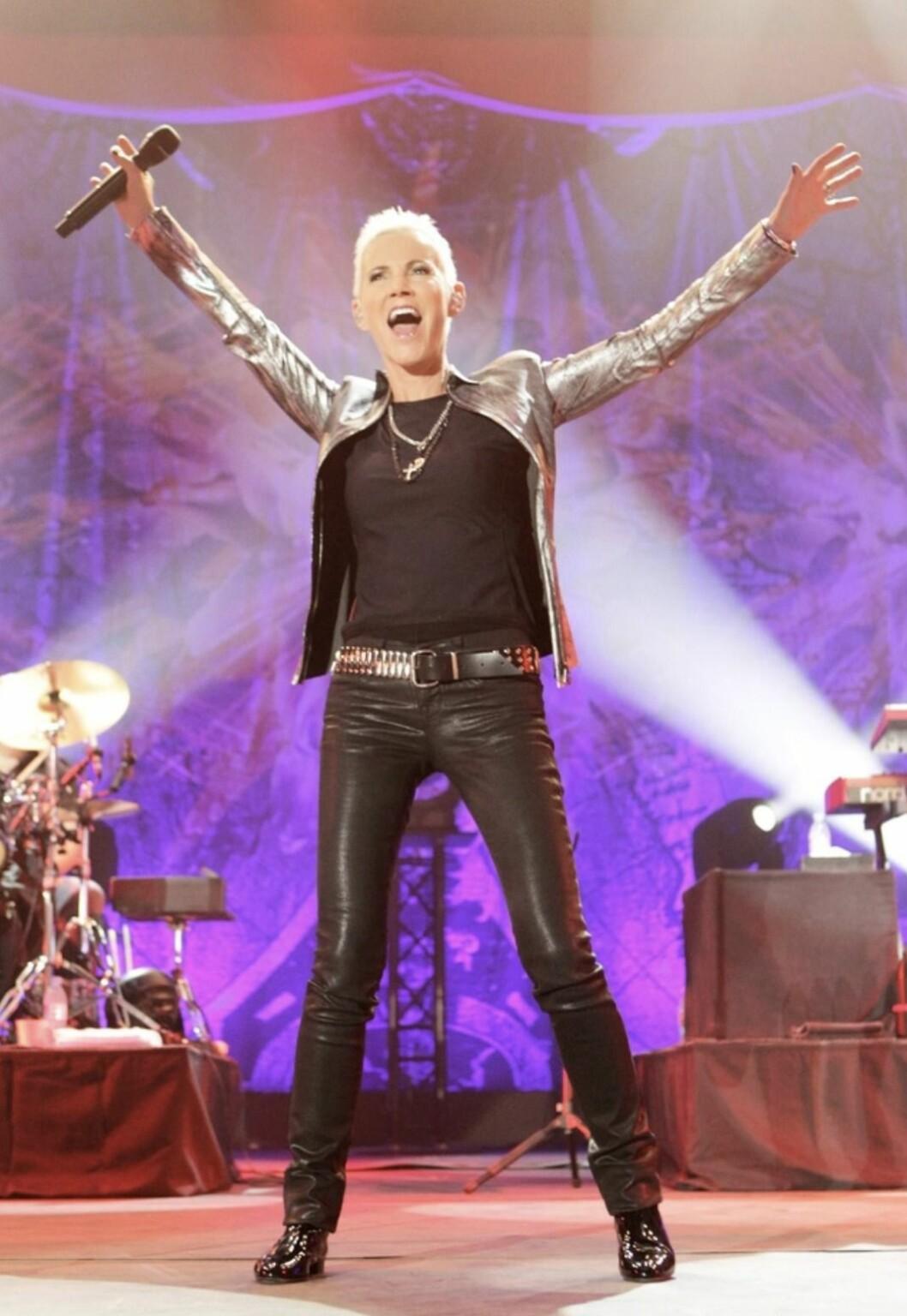 Marie Fredriksson på scen