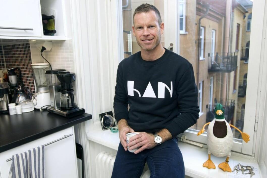 Programledaren Mårten Andersson har många strängar på sin lyra.