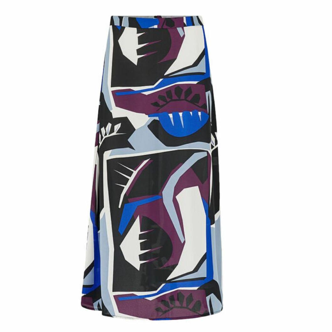 Medellång kjol med mönster