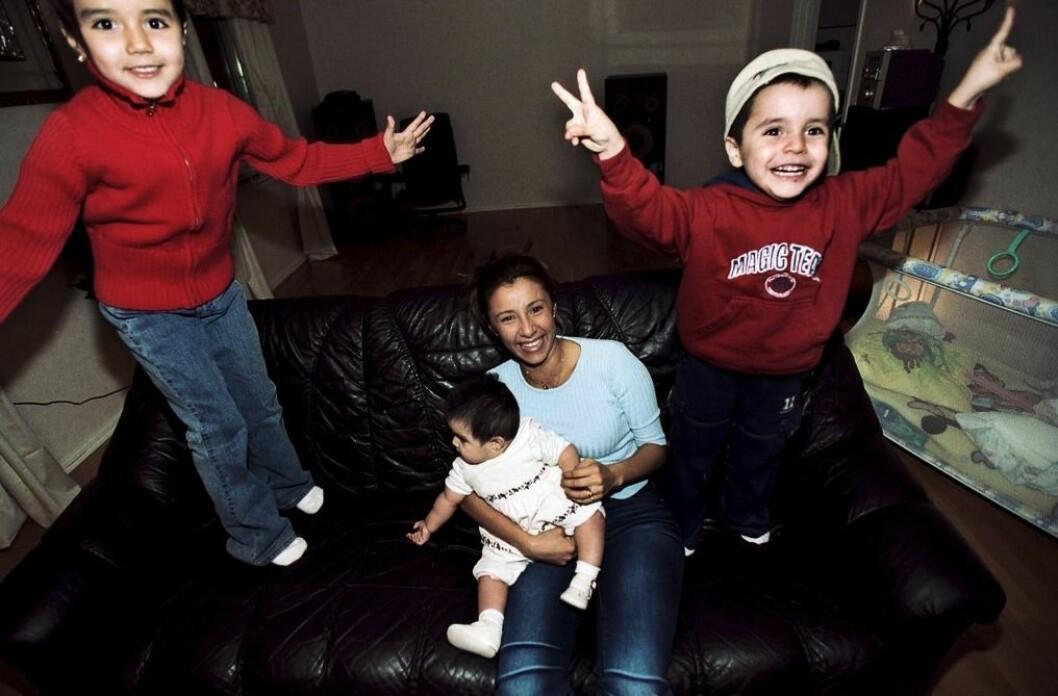 Från vänster: Fr v: Stephanie, Ninoska, Eva-Louise och Leo Junior år 2002.