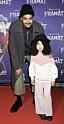 Michel Tornéus med dottern Leah på biopremiär för filmen Framåt år 2020