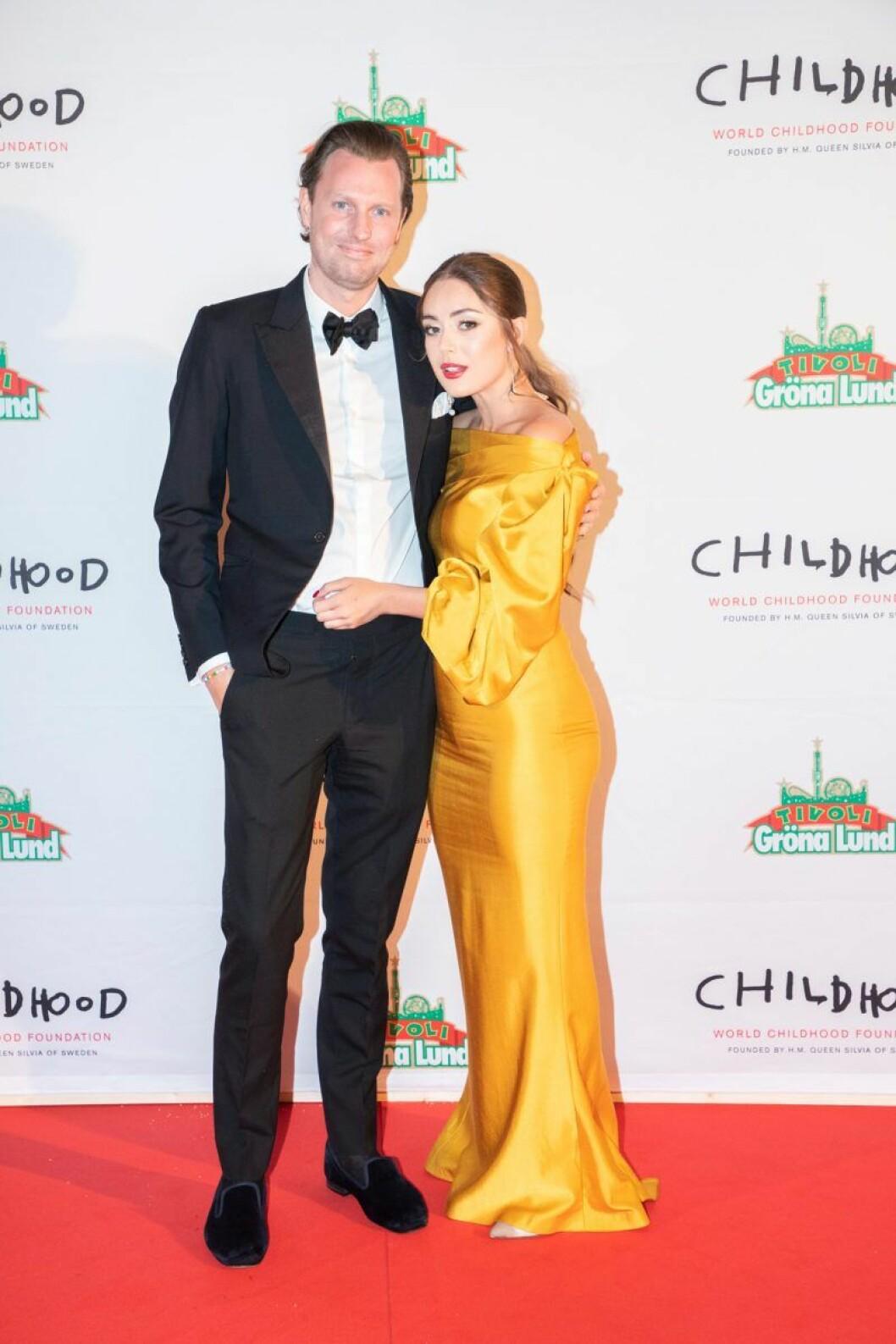 Nils Tham och FéliceJankell på röda mattan