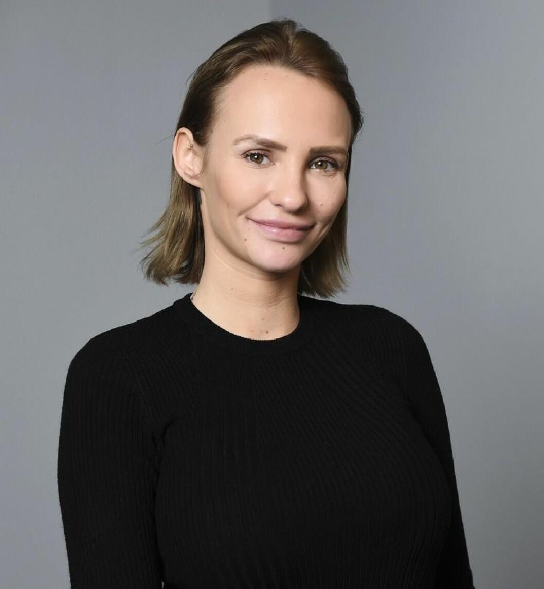 Paulina Paow Danielsson i kort brunt hår