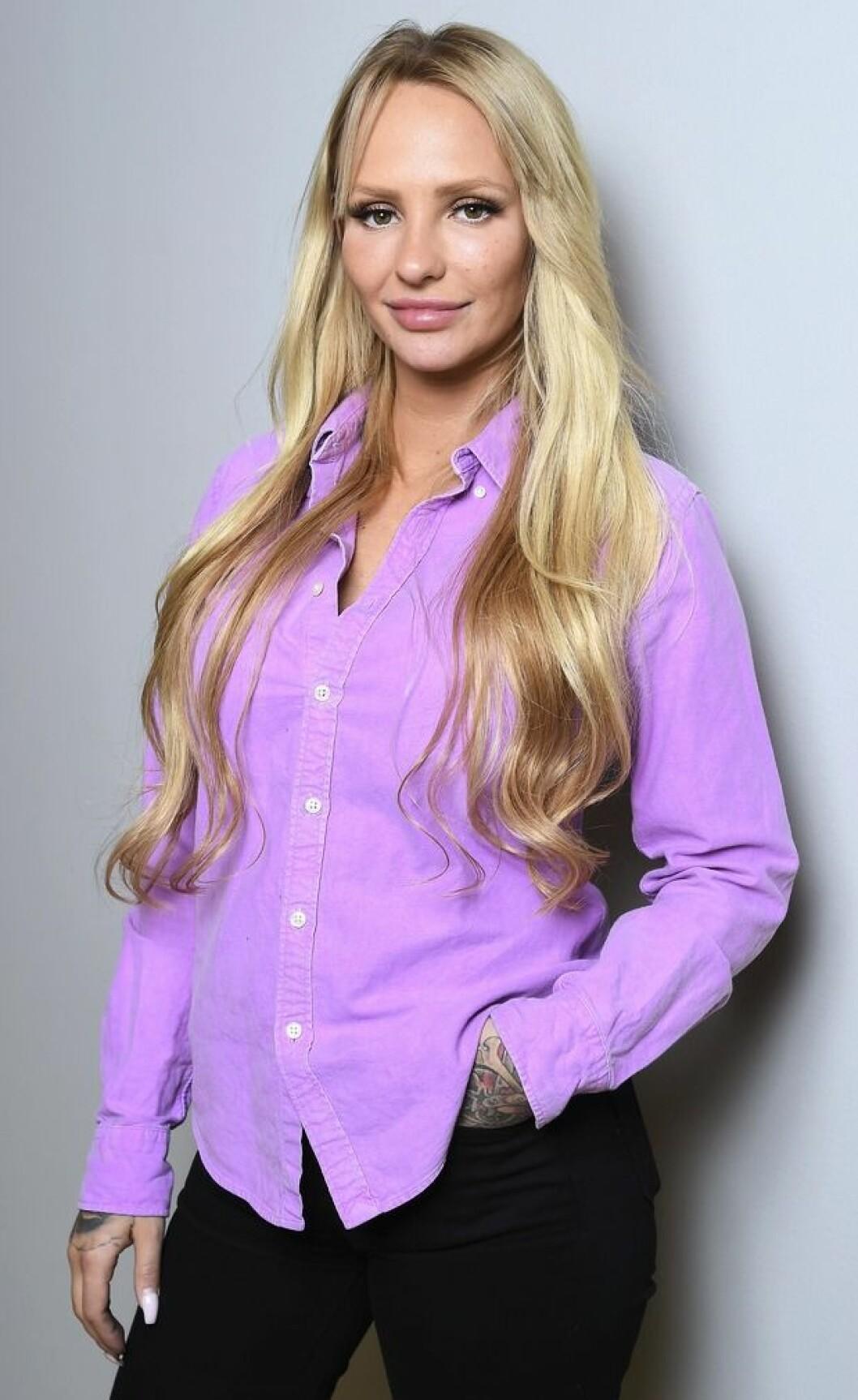 Paulina Danielsson lila skjorta