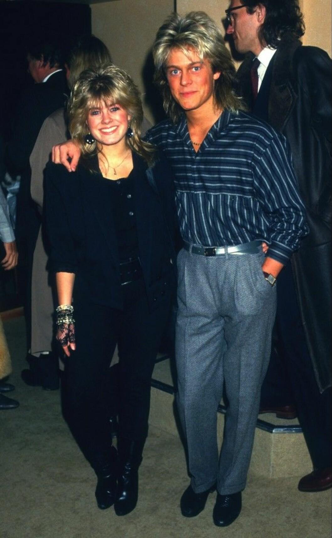 PERNILLA WAHLGREN och brodern Niclas artister 1989 Dia 28855