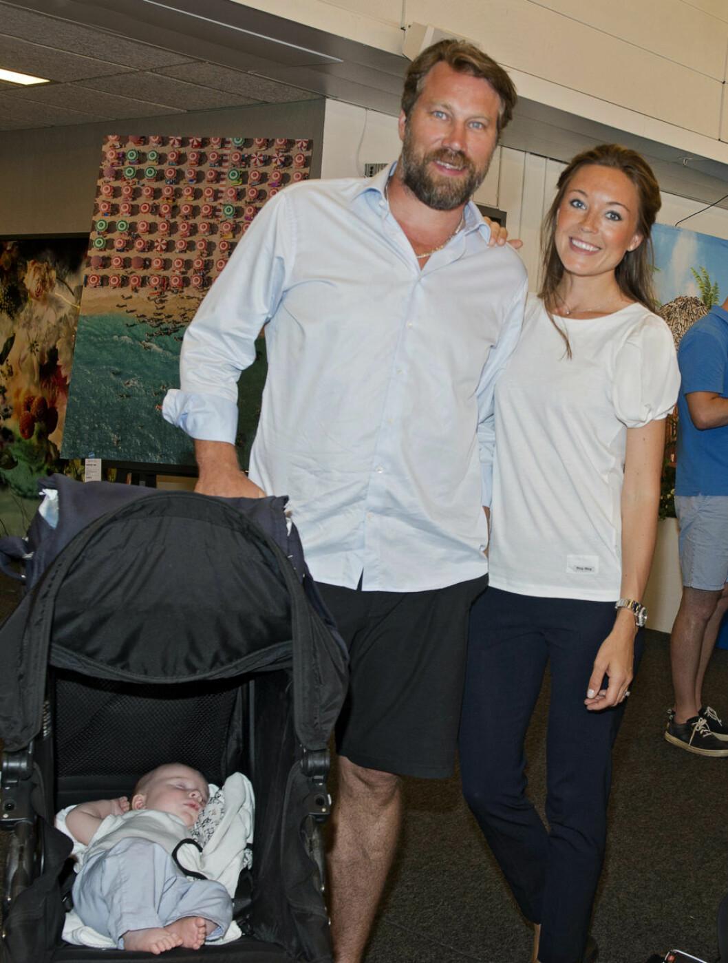 Peter Forsberg med sin Nicole Nordin och sonen Diego.