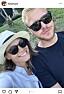 Katja Luján Engelholm och pojkvännen Oscar Hallberg med solglasögon