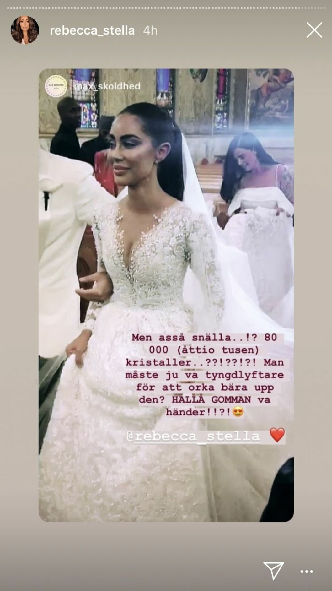 Rebecca Stellas klänning bestod av 80 000 kristaller