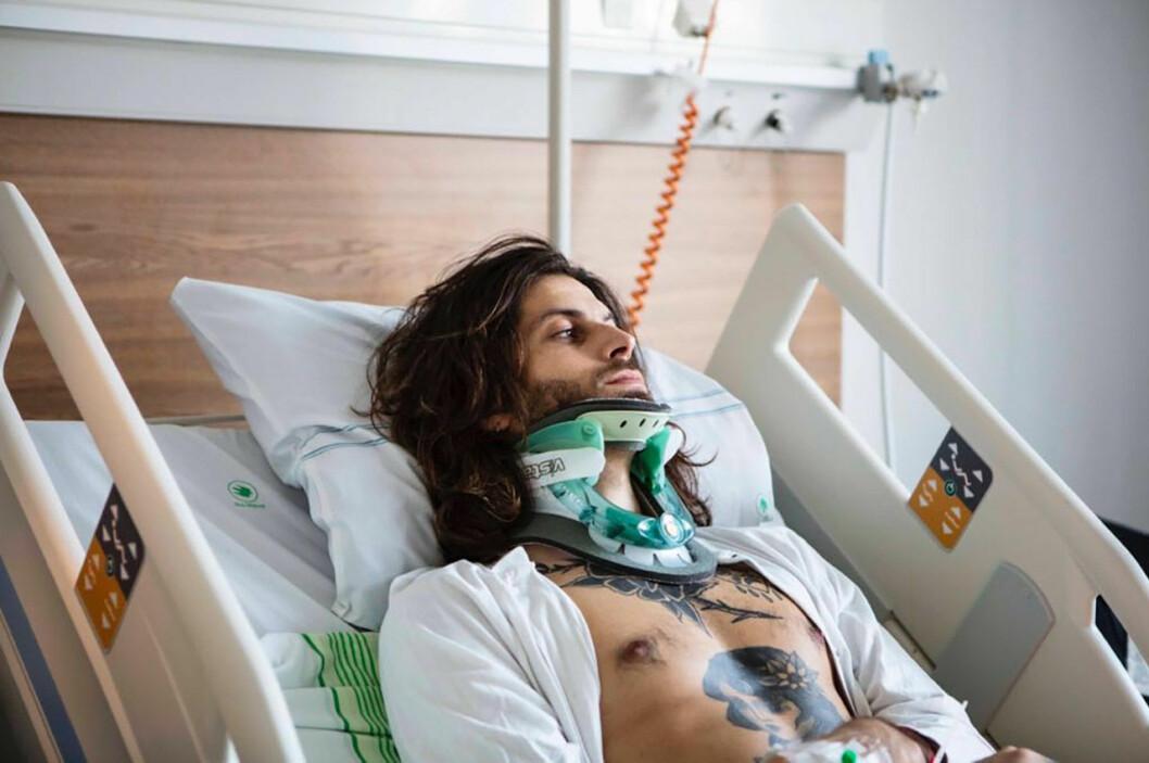 Robinson-Klas Beyer hamnade på sjukhus efter en otäck olycka där han bröt nacken.