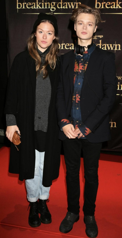 Rosanna Endre och Edvin Endre på röda mattan.