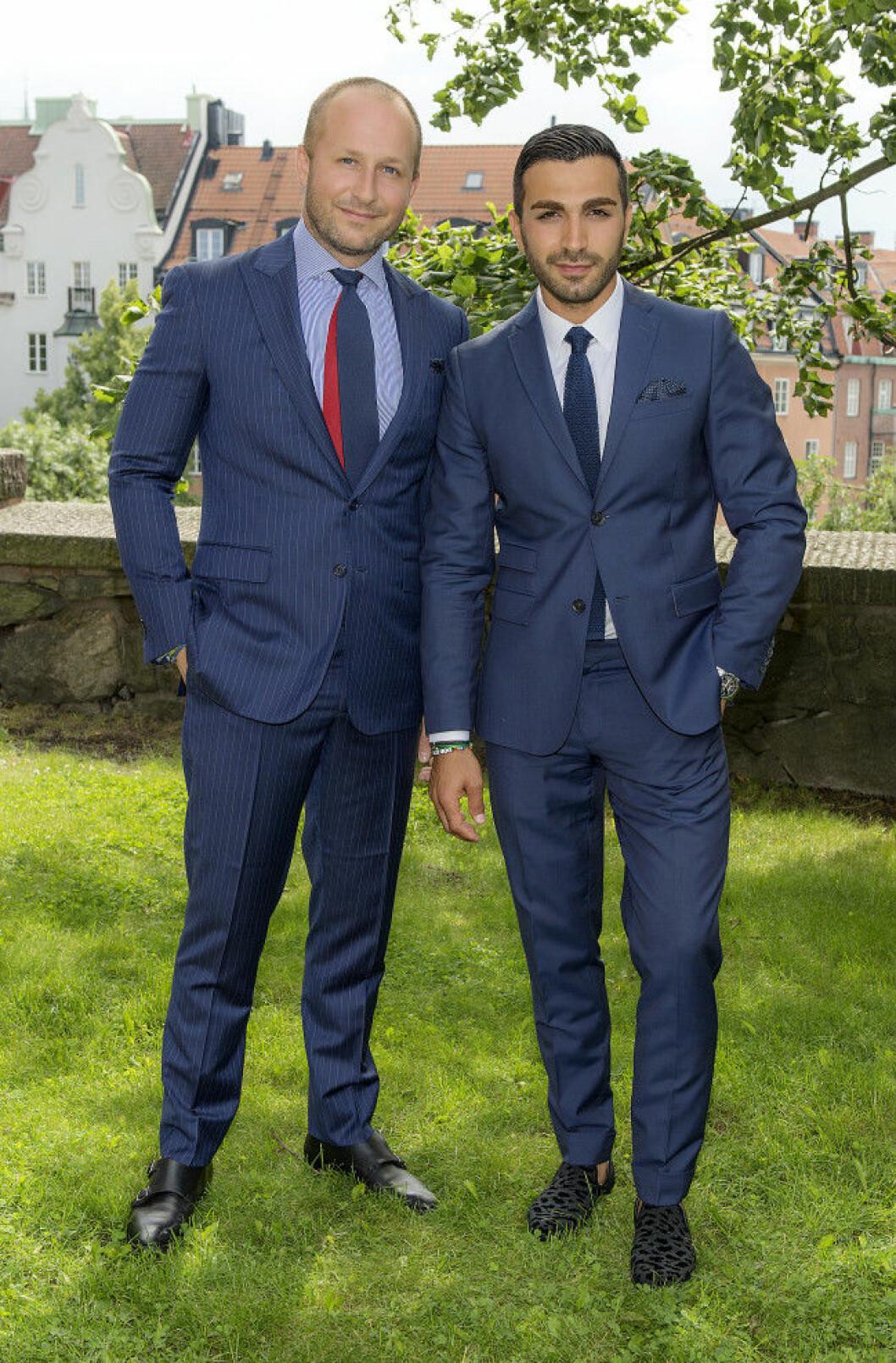 Johan Lundberg och Roy Fares Bobby Oduncus och Jimi Bennets bröllop på Engelbrektskyrkan, Stockholm 16-07-02 Foto ©Eero Hannukainen EEROBILD AB IBL *** Local Caption *** 06586377