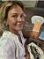 Magdalena Graaf ensam på en restaurang i Panama city.