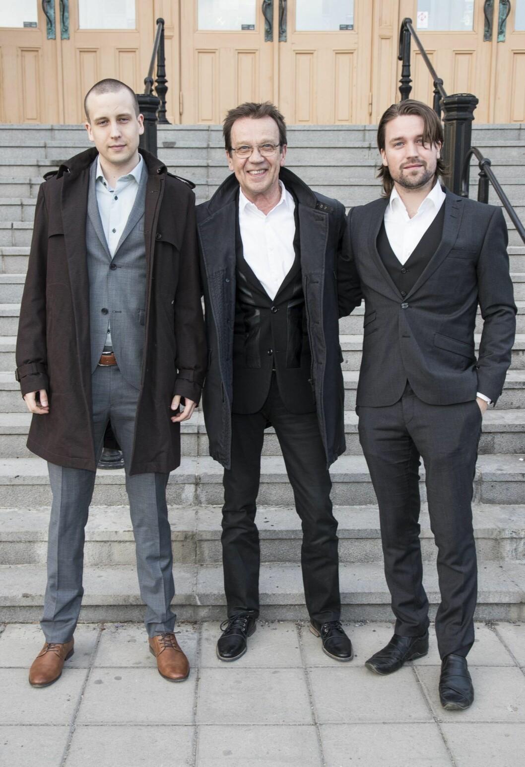 Björn Skifs tillsammans med sönerna Jonathan och Oliver.