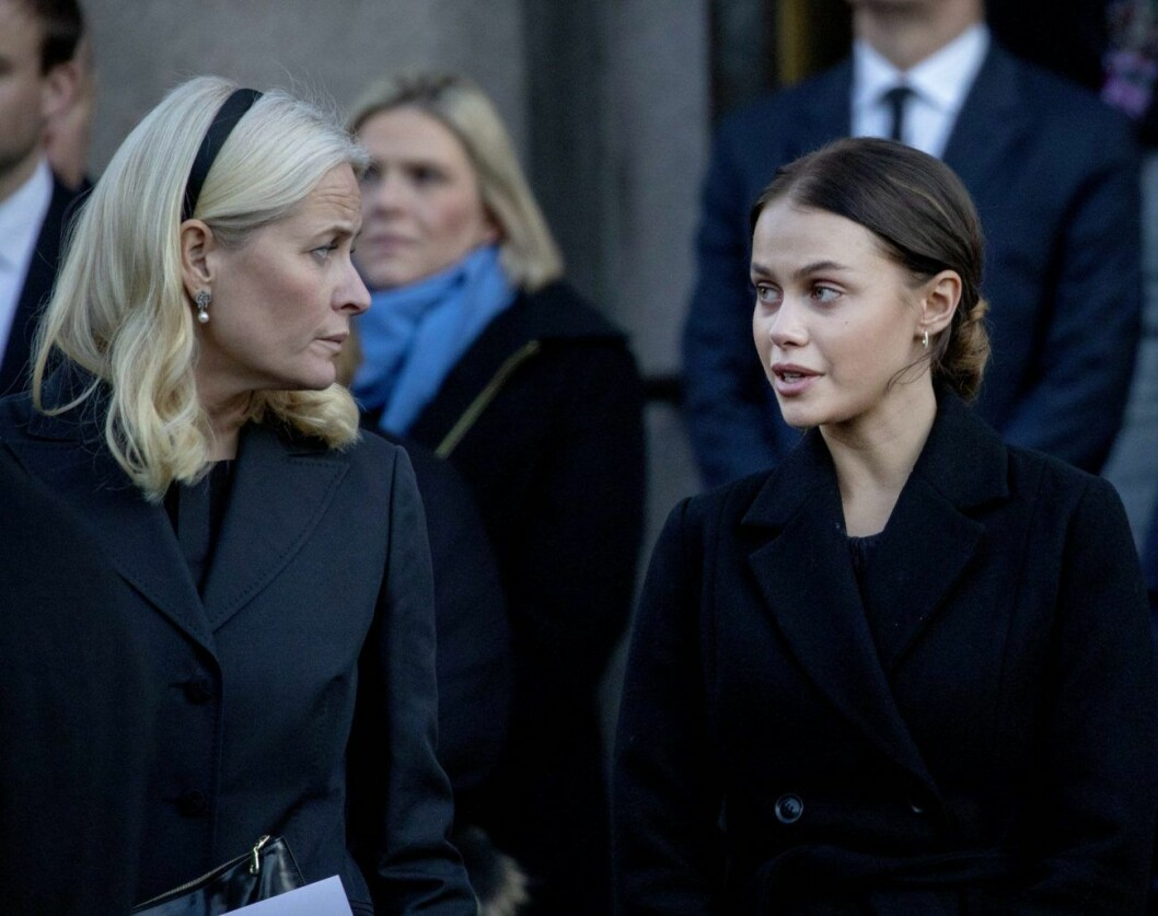 Mette-Marit och Julia Snekkestad