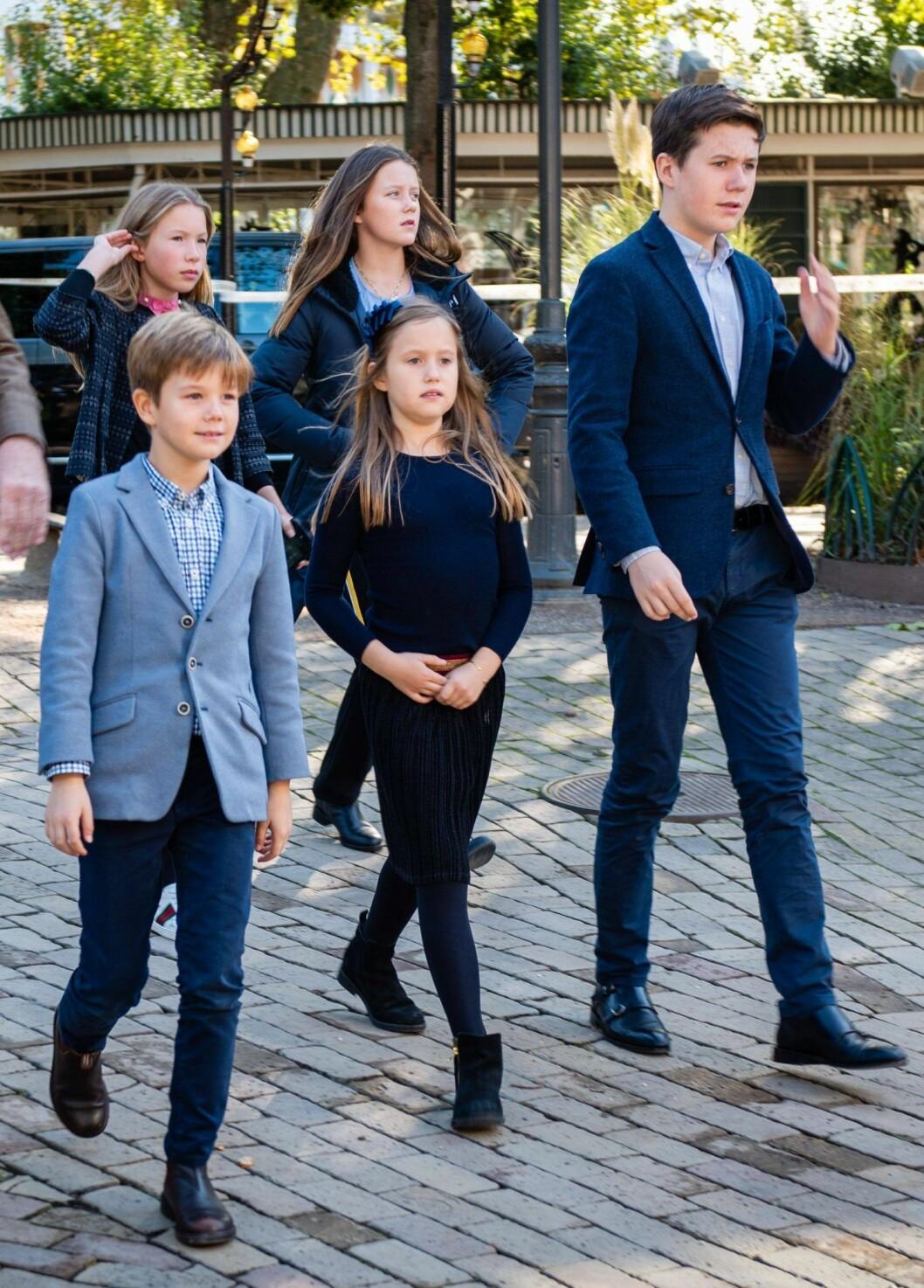 Danska kronprinsbarnen byter skola till Schweiz