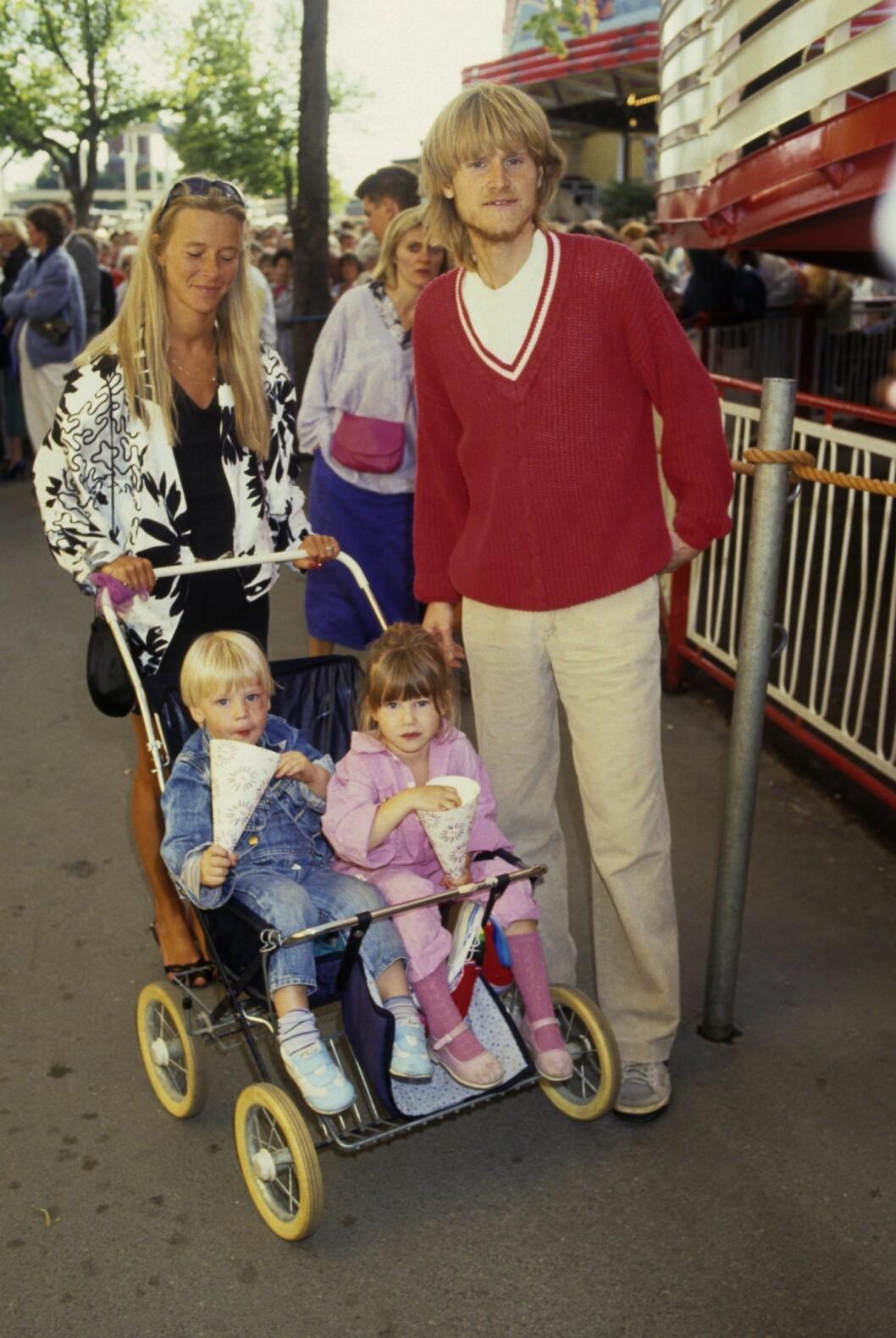 Ted Gärdestad med barn