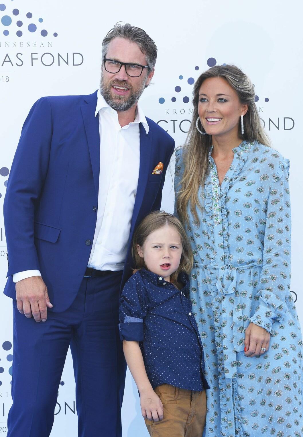 Peter Forsberg tillsammans med Nicole och sonen Lennox.