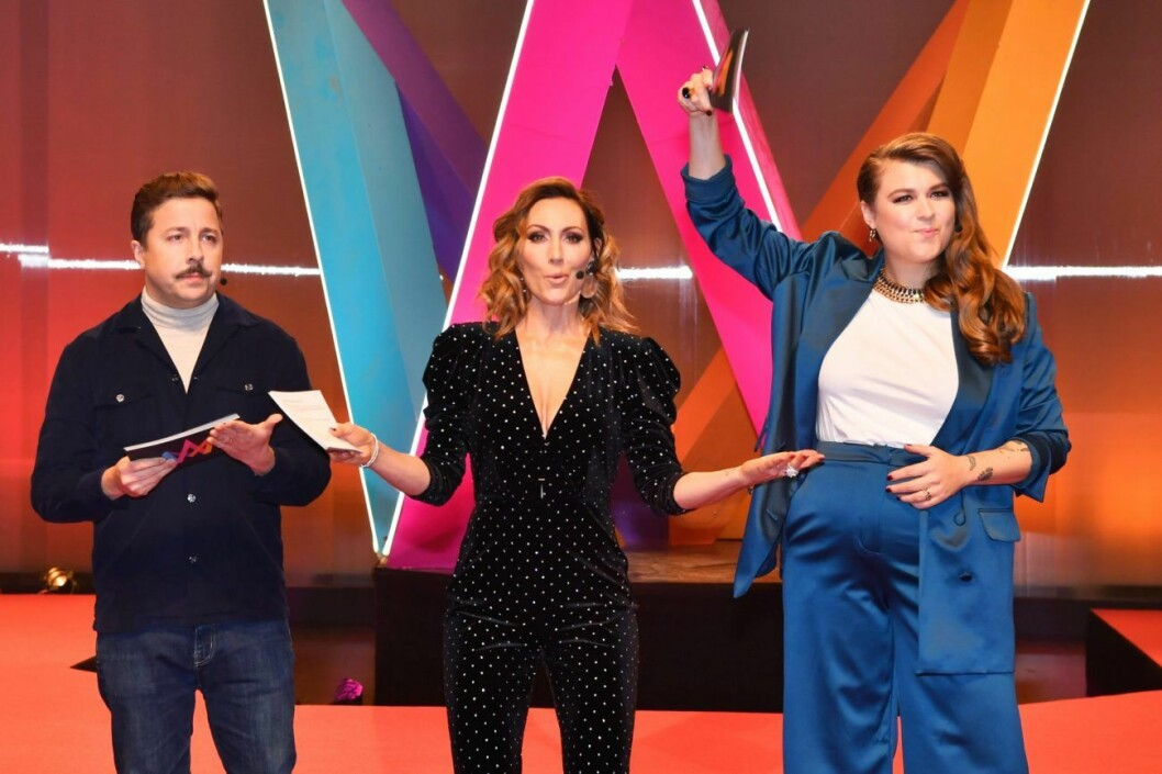 David Sundin,Linnea HenrikssonochLina Hedlund programleder Melodifestivalen 2020.
