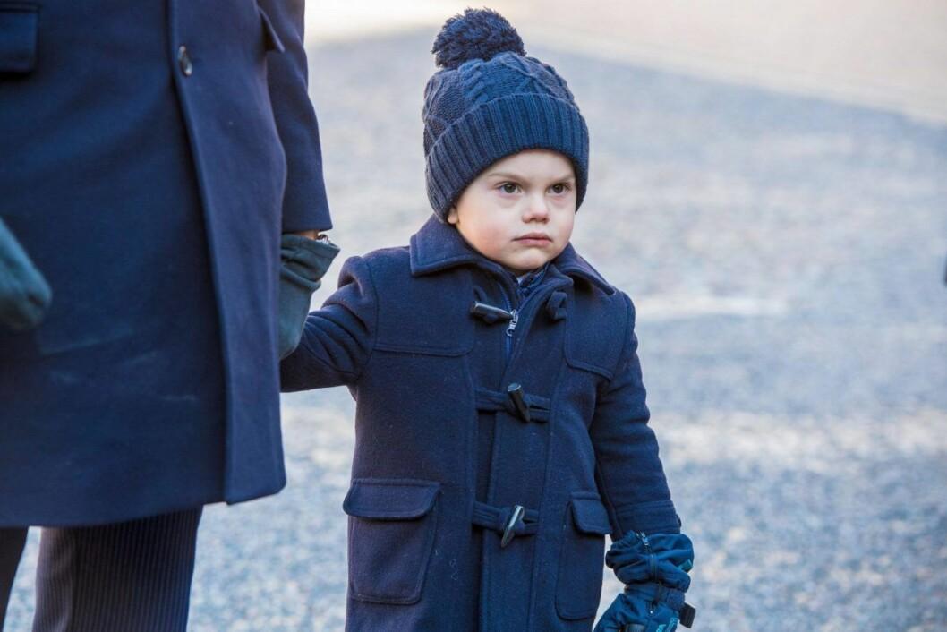 Prins Oscar är pappa upp i dagen.
