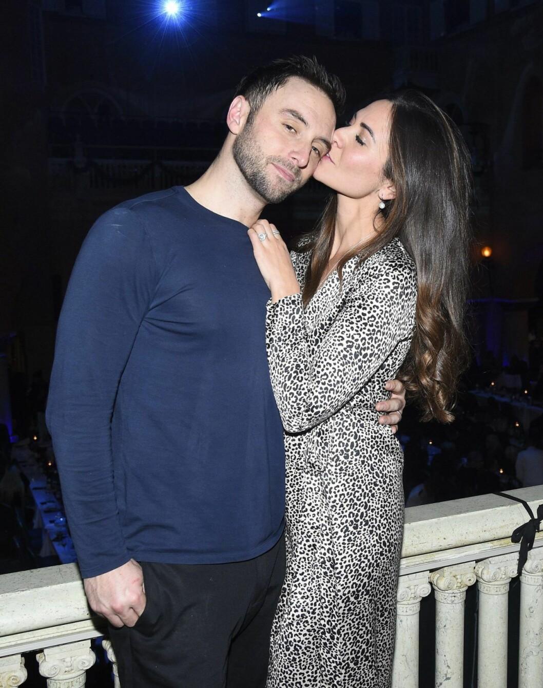 Kärleken blomstrar mellan Måns Zelmerlöw och Ciara efter bröllopet i Kroatien förra året.