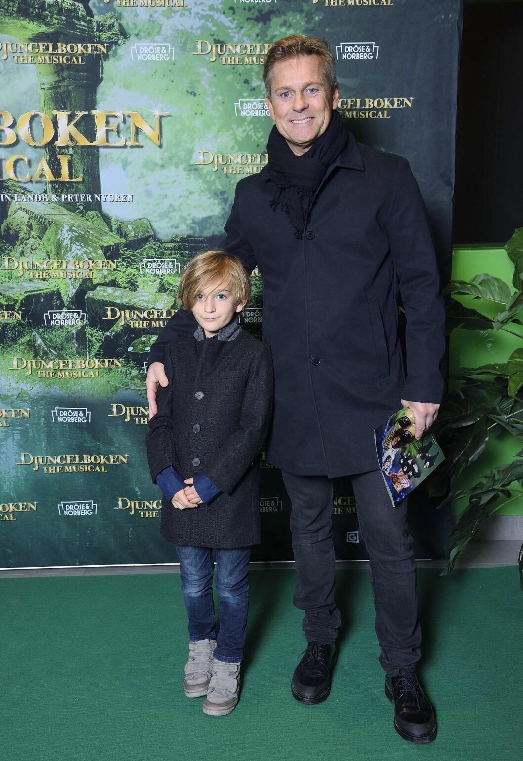 Niclas Wahlgren med sonen Kit.