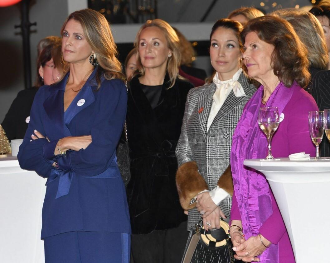 Prinsessan Madeleine vänner och Silvia på Childhoodpriset 2019