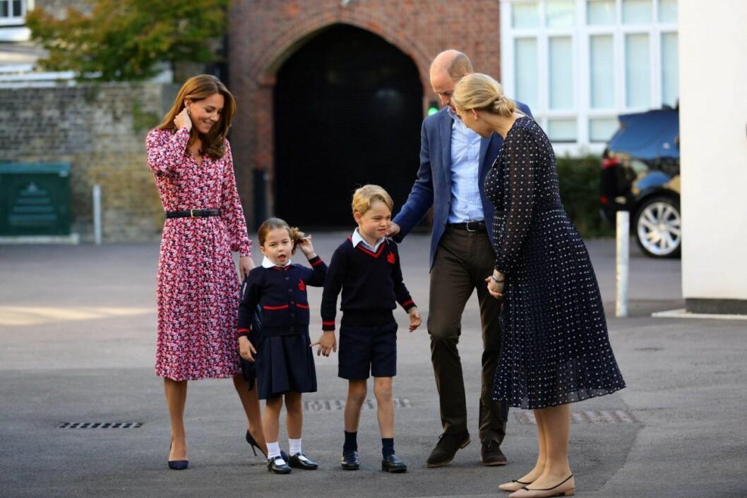 Brittiska prinsfamiljen på första skoldagen