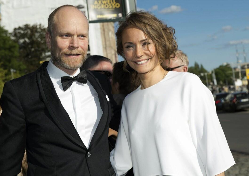 Kristian Luuk och Carina Berg tillsammans på röda mattan 2015.