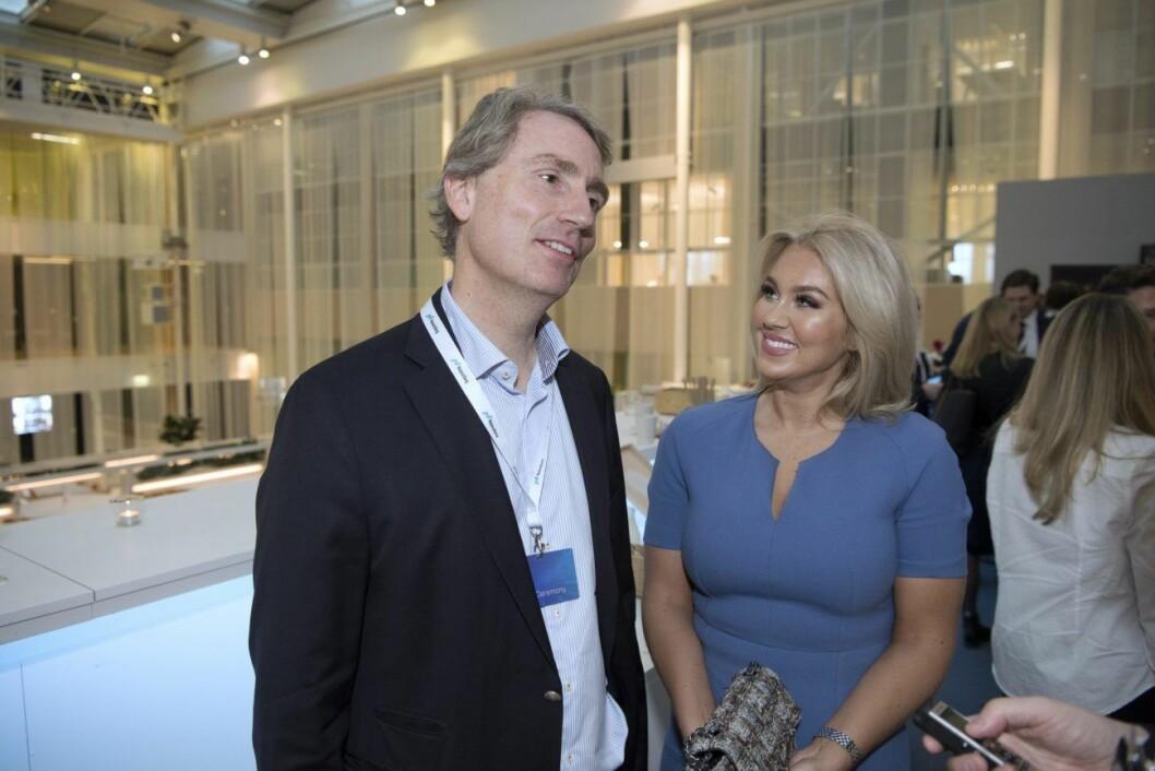 Isabella Löwengrip var på plats när hennes pojkvän fastighets-miljardären Erik Selins och kompanjonen Jacob Karlssons bostadsbolag K-Fastigheter introducerades på Nasdaq–börsen