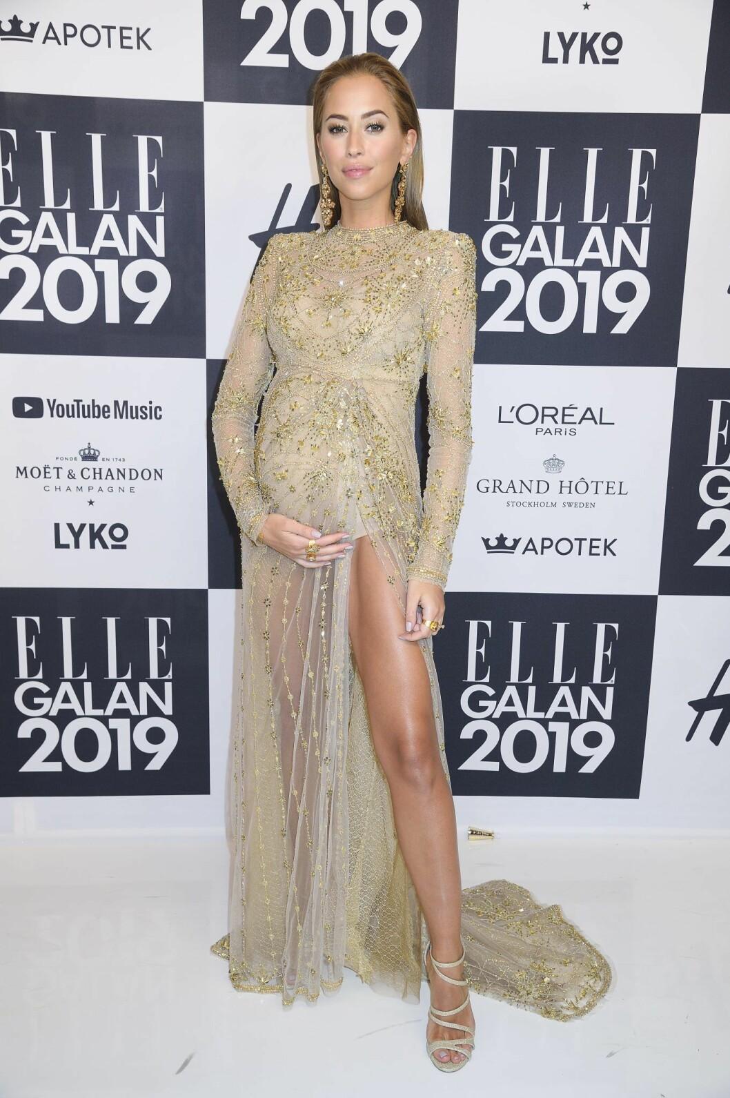 Kenza Zouiten är gravid på Elle-galan