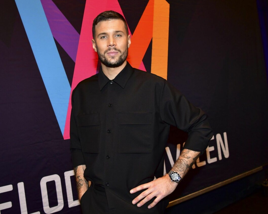 På lördag sjunger Robin Bengtsson låten Take a chans i Melodifestivalens första deltävling.