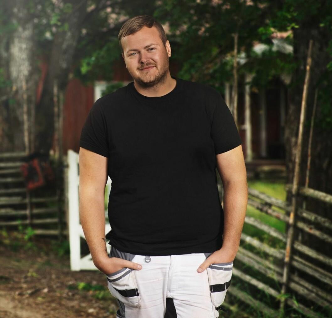 Simon Axelsson är en av deltagarna i Farmen 2020